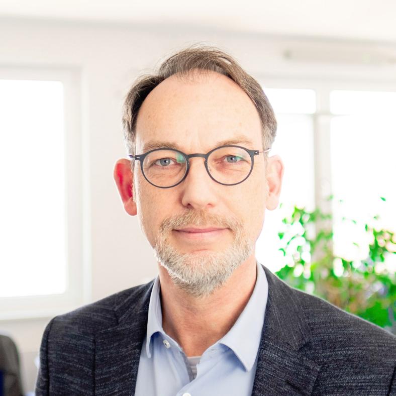 Dr. Harald Weber
